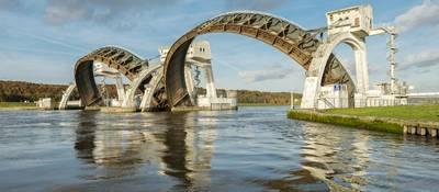 Weir complex at Nederrijn. (Photo: Radion Holland)