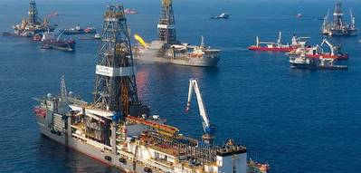 Discoverer Inspiration arrives to install the capping stack in July 2010 (Photo: BP)
