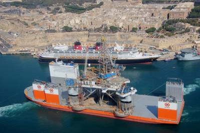 Dockwise Vanguard entering port: Photo courtesy of Boskalis