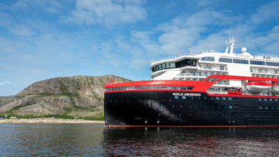 Hurtigruten's new hybrid powered MS Roald Amundsen will be the first ship in history to be named in Antarctica. Photo: ESPEN MILLS/Hurtigruten