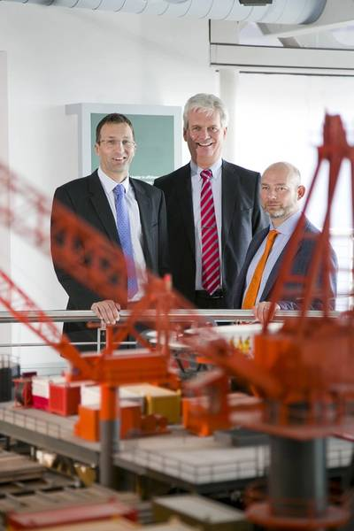 L-R Pete Jones of TAQA along with SPE Aberdeen's Ian Phillips and Ross Lowdon