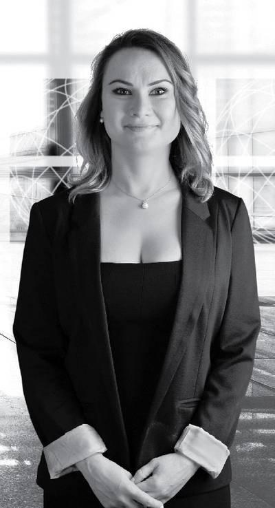Laura Toplar