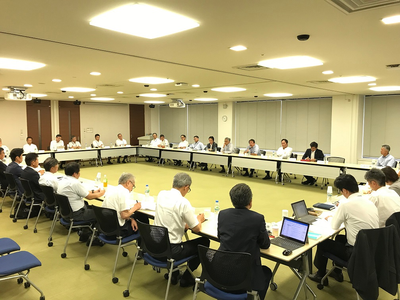 Meeting with captains and chief engineers (Photo: NYK Line)