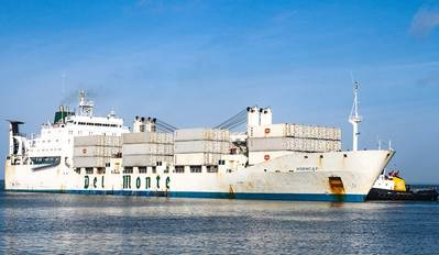 A Del Monte vessel arrives at Port Manatee, which has achieved several cargo records in the first half of its fiscal year. (Photo: Port Manatee)