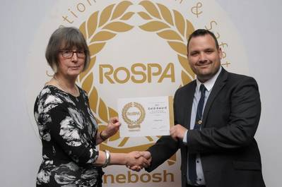 Dr. Mary O'Mahony, RoSPA Trustee and Gary Holland, CWind SHEQ Manager (Photo courtesy of CWind)