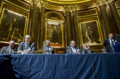 Panel during debate (Photo:London Shipping Law Center)