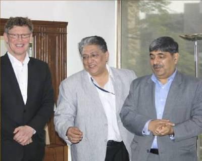 left to right: Steinar Gundersen (Deputy CEO MARIS AS), Shravan Rewari (Managing Director ARI Simulation) and Bhupesh Gandhi (Director MARIS Asia Pacific Pte Ltd)