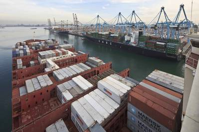 Port of Rotterdam (CREDIT: PoR / (c) Freek van Arkel
