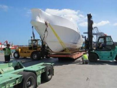 Stamas 363 motorboat en route: Photo credit GAC Pindar