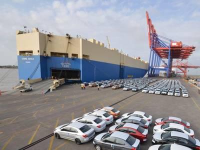 Vessel at berth at APM Terminals Pipavav (Gujarat Pipavav Port)