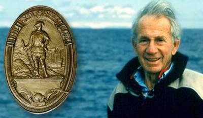 Walter Munk & Explorer's Medal: Photo courtesy of UCSanDiego