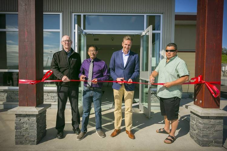 From left to right: Steve Roth, President – Seaspan Ferries; Jerry Hong, Acting Mayor – City of Nanaimo; Frank Butzelaar, CEO – Seaspan ULC; Chris Good, Hereditary Chief – Snuneymuxw First Nation (Photo: Seaspan Ferries)