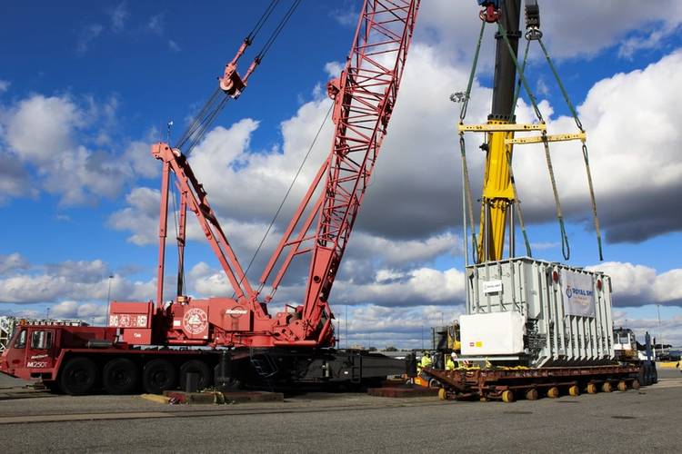(Credit: MDOT Maryland Port Administration and Charles Schelle) (The Port of Baltimore's breakbulk capabilities are aided by two heavy lift cranes, enhanced on-dock rail that allows for direct ship discharge, and three heavy lift pads with a capacity of 32.5 tons per axle per pad.)
