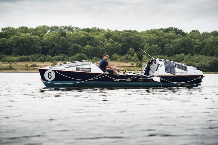 Daryl Farmer rowing in Bojanges