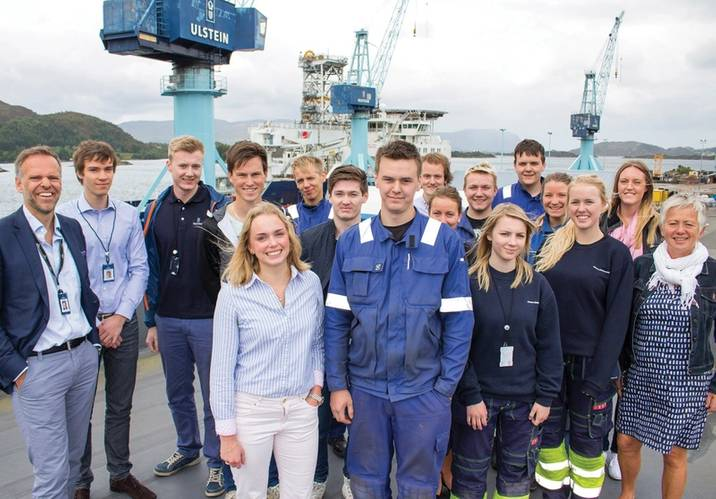 Future generations: Deputy CEO Tore Ulstein with Ulstein summer job hopefuls.