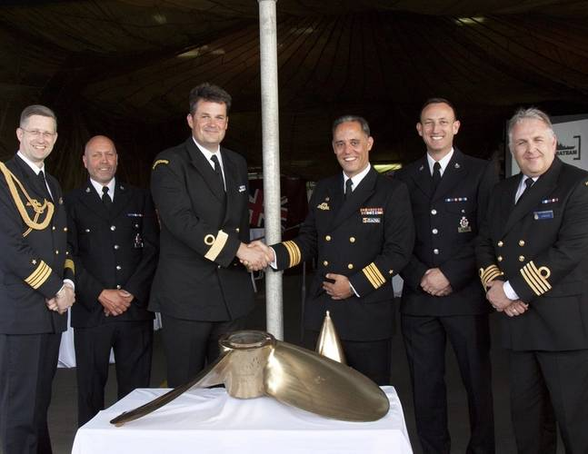 A handover ceremony took place on the German Naval vessel Karlsruhe in the Portsmouth Naval Base (Photo: MCA)