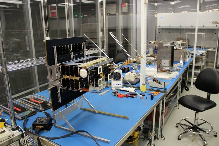 NORsat-2 in the SFL clean room with VDE Yagi antenna deployed. (Photo: Space Flight Laboratory)