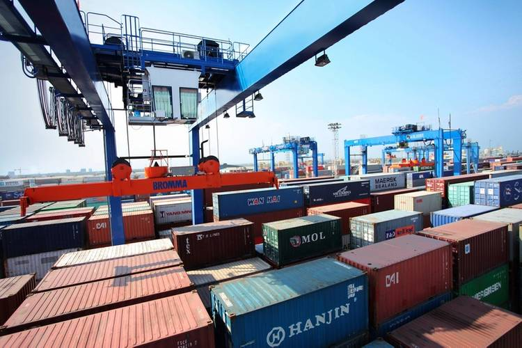 RTGs Order from Piraeus Container Terminal