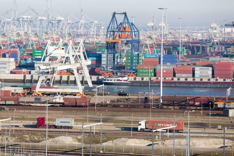 Photo: Freek van Arkel (Courtesy of the Port of Rotterdam)