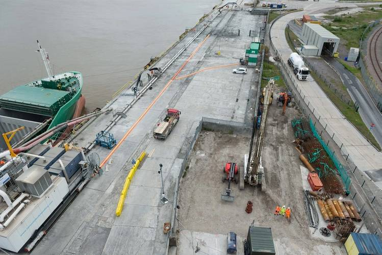 Radar tower construction site with Arklow Falcon along side discharging cement materials at Tarmac's Northfleet  facility (Photo: PLA)