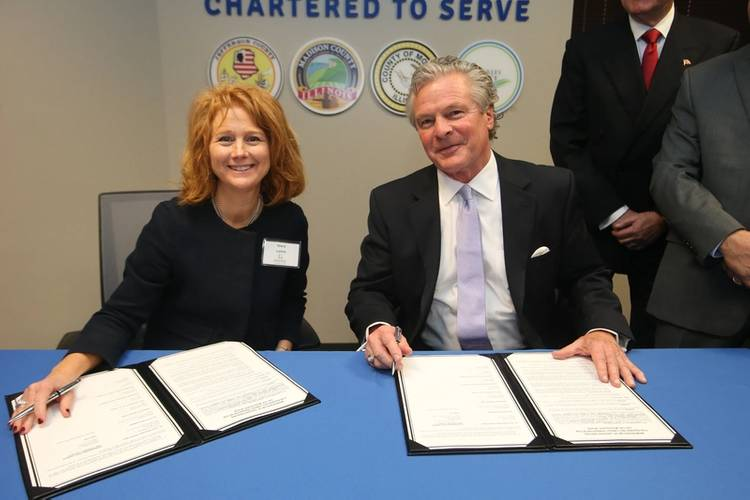 (left to right) Mary Lamie, Executive Director – St. Louis Regional Freightway and Sandy Sanders, Executive Director – Plaquemines Port Harbor & Terminal District.
