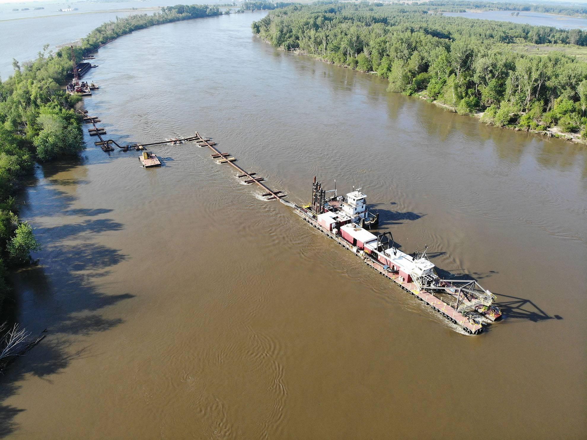 GLDD Emergency Response Efforts: Missouri River Levee